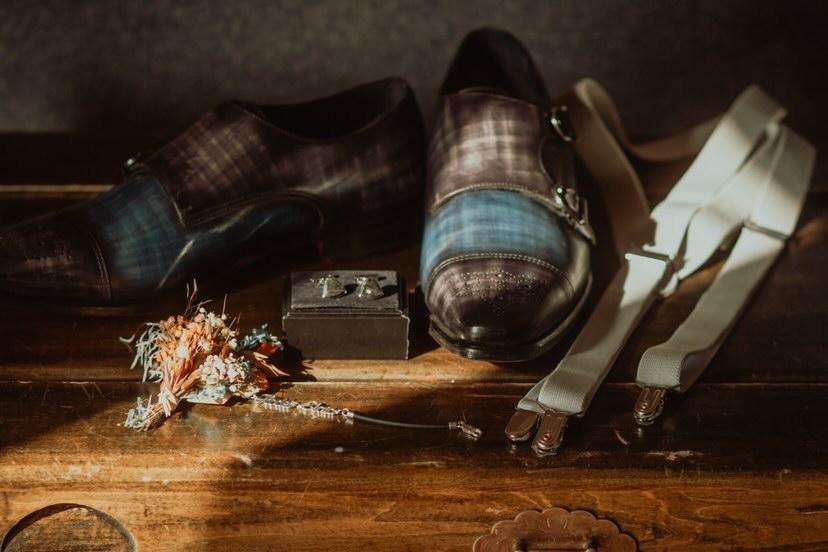 Zapato a medida Exquisuits by de Juana Double monkstrap con pátina a mano azul